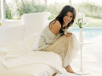 Sandra Bullock - photo white